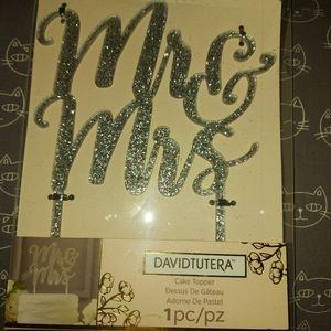 DAVID TUTERA 'Mr & Mrs' cake topper